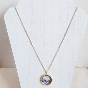 Jewelry - Round Crystal Gold Memory Living Locket Necklace